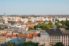 De stadshorizon van Berlijn - woningbouw en huizenantenne Royalty-vrije Stock Foto's