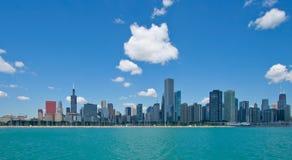 De stadshorizon van Chicago stock foto's