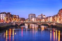 De stadshorizon van Dublin Stock Afbeeldingen
