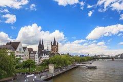 De stadshorizon van Keulen Stock Foto