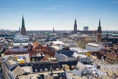 De stadshorizon van Kopenhagen in Denemarken Stock Foto's