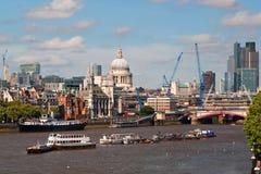De stadshorizon van Londen Stock Afbeeldingen