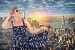 De stadshorizon van New York met zonsopgang op achtergrond Royalty-vrije Stock Afbeelding