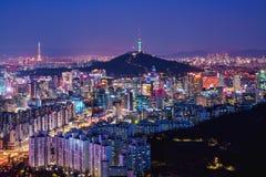 De stadshorizon van Seoel stock afbeeldingen