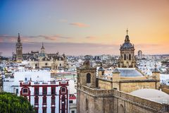 De Stadshorizon van Sevilla, Spanje Stock Afbeelding