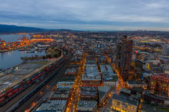 De stadshorizon van Vancouver vanuit hoog gezichtspunt bij nacht Stock Afbeeldingen