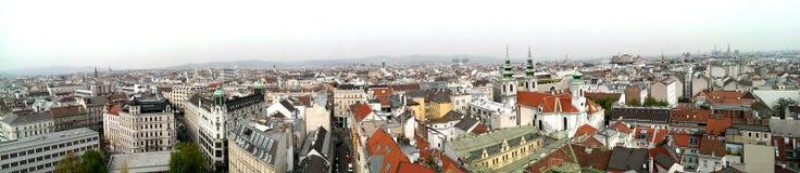De stadshorizon van Wenen stock afbeelding