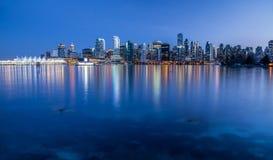 De stadslichten van Vancouver van Stanley Park Stock Foto's