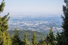 De stadsmening van Alma Ata vanaf bergbovenkant Royalty-vrije Stock Afbeeldingen