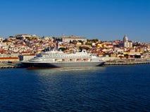De stadsmening van Lissabon van Tagus-Rivier stock foto's