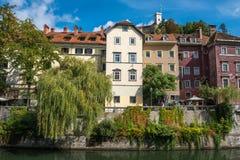De stadsmening van Ljubljana met Ljublianica-rivier, Slovenië Royalty-vrije Stock Afbeeldingen