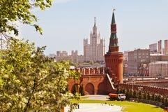 De stadsmening van Moskou van de muur van het Kremlin Royalty-vrije Stock Afbeeldingen