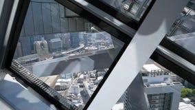 De stadsmening van Osaka van Umeda-roltrap stock footage