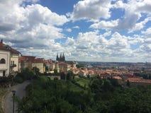 De stadsmening van Praag vanaf de bovenkant van Hradcany royalty-vrije stock fotografie