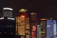 De Stadsnacht van Shanghai, Oosterse Pareltoren, nachteconomie royalty-vrije stock fotografie