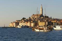 De stadspanorama van de kust Royalty-vrije Stock Fotografie