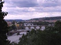 De stadspanorama van Praag stock afbeeldingen