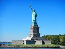 De stadsstandbeeld van NYC New York van Vrijheid op Vrijheidseiland Standbeeld van Liberty National Monument en museum Standbeeld royalty-vrije stock afbeeldingen