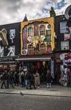 De stadsstraat van Londen Camdnen Stock Foto