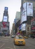 De Stadstaxi van New York bij The Times-Vierkant in Manhattan Royalty-vrije Stock Afbeeldingen