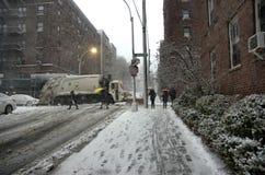 De stadsweer maart van sneeuwstormnew york royalty-vrije stock afbeelding