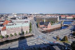 De Stadsweergeven van Kopenhagen van het Christiansborg-Paleis stock afbeelding