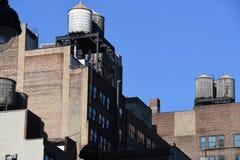 De Stadswolkenkrabber van New York in Uit het stadscentrum Manhattan stock foto's