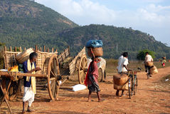 De stammenmensen van Orissa bij wekelijkse markt Stock Afbeelding