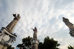 De standbeelden bij Basiliek del Santo Nino, de Stad van Cebu, Filippijnen Stock Afbeeldingen