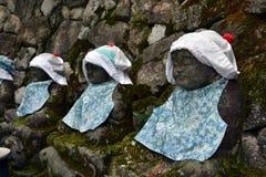 De standbeelden die van Baby Boedha dragen hoed en leuke kleren? Royalty-vrije Stock Foto
