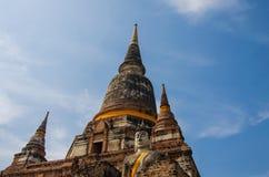De standbeelden en de tempels van Boedha. Stock Fotografie