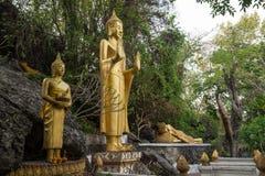 De standbeelden van Boedha bij Onderstel Phousi royalty-vrije stock foto
