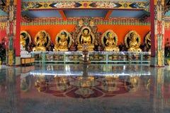 De standbeelden van Boedha in een Tibetaans klooster Royalty-vrije Stock Afbeeldingen