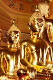 De standbeelden van Boedha, Gezicht van gouden Boedha, sluiten omhoog gezicht van gouden Boedha Royalty-vrije Stock Fotografie