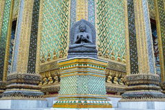 De Standbeelden van Boedha in Phra Mondop Royalty-vrije Stock Foto's