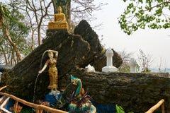 De standbeelden van Boedha in Si van Onderstelphou, Luang Prabang, Laos royalty-vrije stock afbeelding