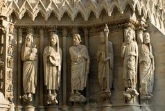 De Standbeelden van de steen, de Kathedraal van Reims, Stock Foto's