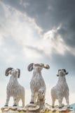 De standbeelden van drie hemelrammen bij Kwun-Yamtempel Stock Afbeeldingen