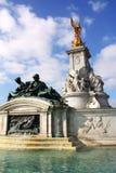 De standbeelden van het Buckingham Palace Royalty-vrije Stock Afbeeldingen