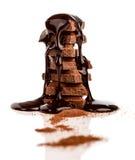 De stapel van chocolated behandeld met chocoladestroop Stock Afbeeldingen