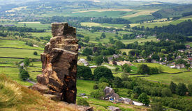 De Stapel van de rots, Curbar Rand, het PiekDistrict van Derbyshire Royalty-vrije Stock Foto's