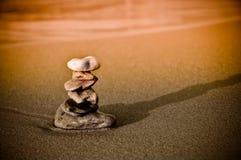 De stapel van de steen. Het symbool van Zen van geluk en het kalmeren royalty-vrije stock fotografie