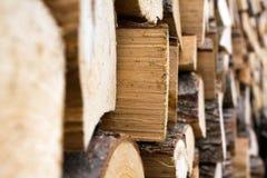De stapel van het brandhout stock foto