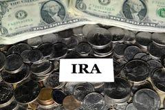 De stapel van de Pensioneringspret van het Muntstukkengeld investeert het IRA van de Besparingenuniversiteit royalty-vrije stock fotografie