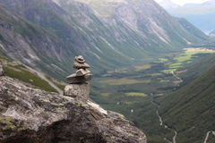 De stapel van stenen is een teken van verovering de berg Royalty-vrije Stock Foto's