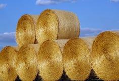De stapels van een stro verpakt in balen Royalty-vrije Stock Afbeelding
