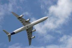 De start van vliegtuigen stock afbeeldingen