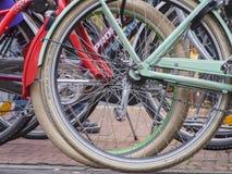De status sprak op een rij wielen Stock Afbeelding