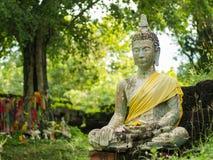 De Status van Boedha bij Tempel Famen stock afbeeldingen