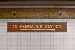 de 34ste Metro van de Straatpost - de Stad van New York Stock Fotografie